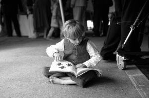 Discreet reportage photography of the younger guests