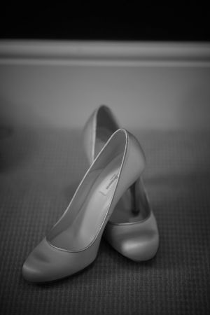 A photo of the brides shoes