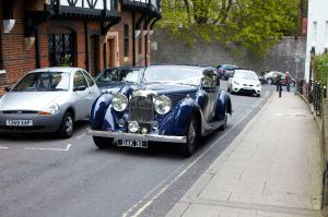 Photo's of the wedding car arrival
